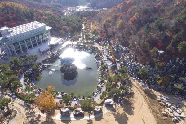 摄理月明洞_自然圣殿_圣子爱之家_月明湖(1)