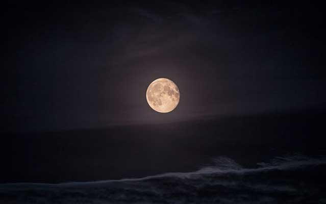 圆游之夜:主の爱包围暖人心 这个中秋游子不孤独
