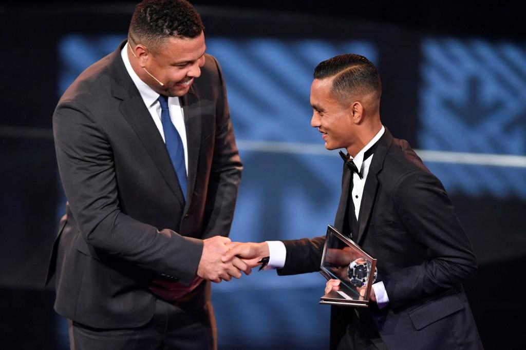 摄理新闻_FIFA颁年度最佳进球奖给法伊兹