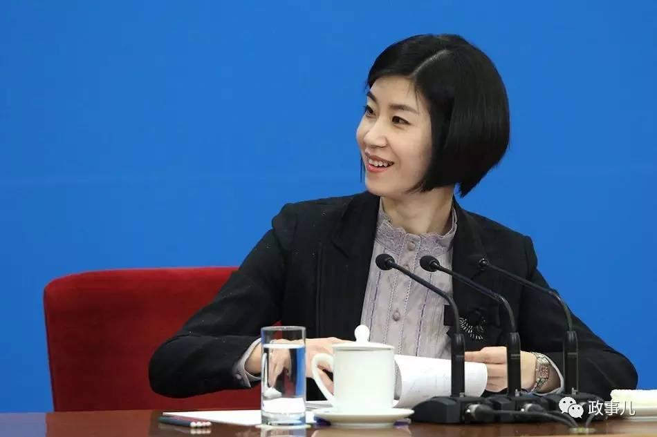 摄理新闻_张璐再总理记者会一战成名