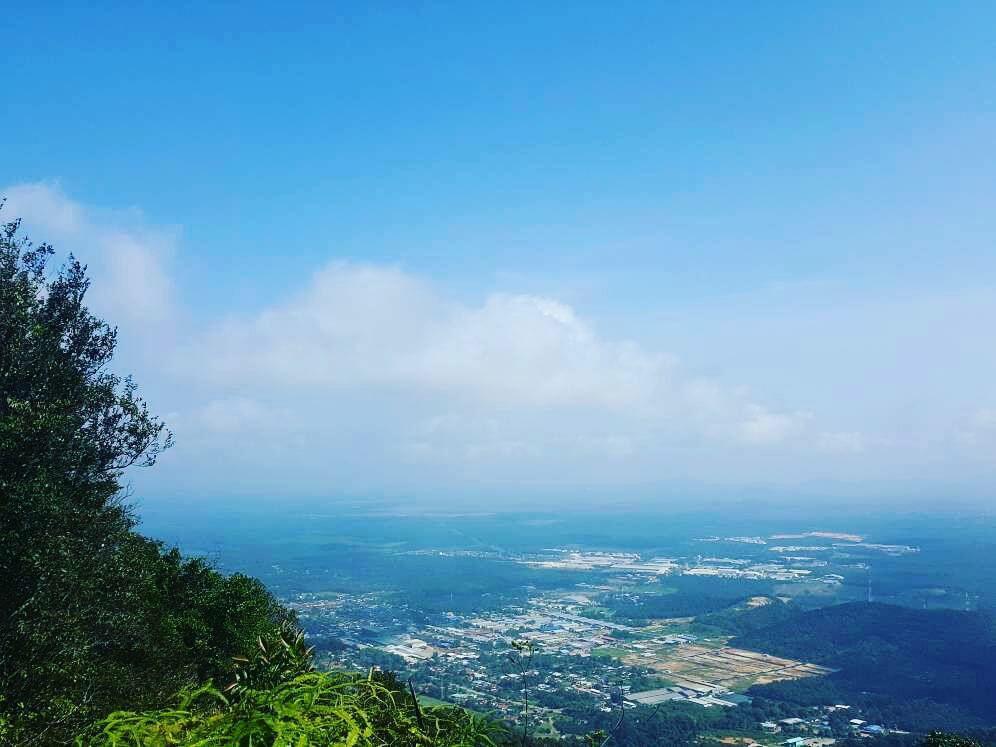 贴近大自然 主中心登山之旅